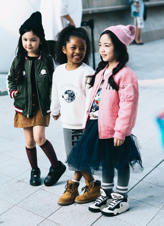 Street style in Seoul #people #streetphotography #style #fashion #photography #fashionweek #kids