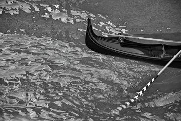 blackandwhite boat gondola water